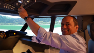 Günther Beltz als Manager im Cockpit